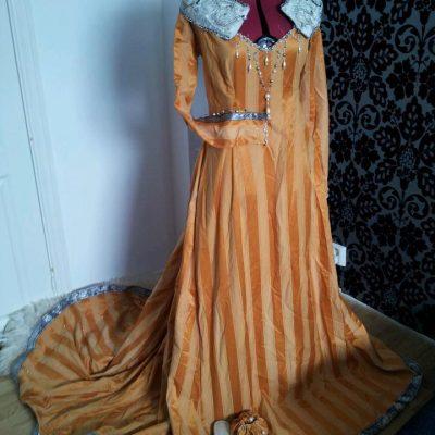 En fantastisk kjole som ble solgt på auksjonen